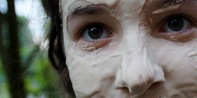 Mit Kosmetik trockene Haut besänftigen
